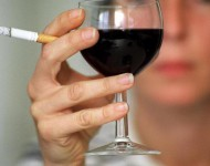 Lire la suite de Alcool et nicotine : le malheureux duo s'explique enfin