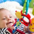 stimuler-les-yeux-de-bebe